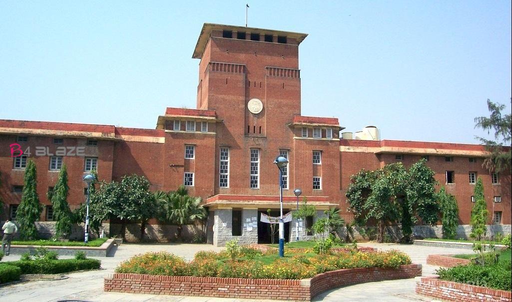 delhi university .