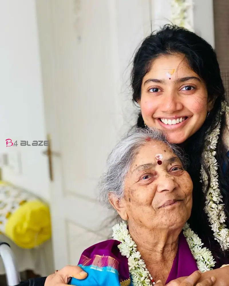 sai-pallavi-with-grandmother