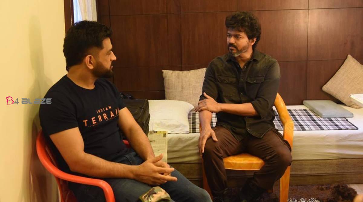 vijay with dhoni